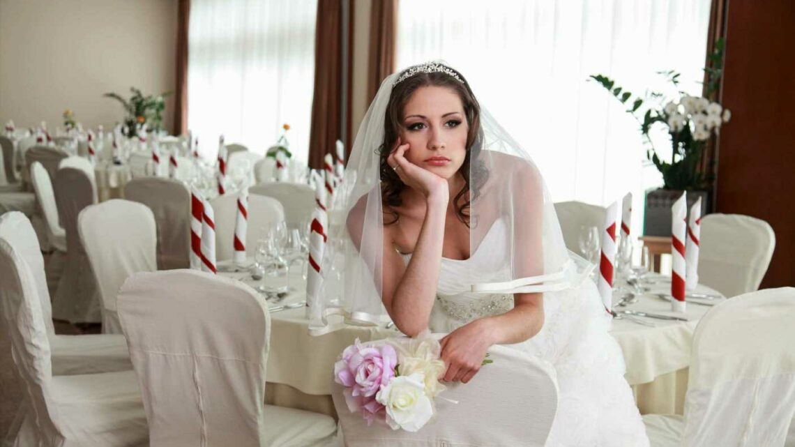 Bride heartbroken after being told her parents would rather miss her wedding than get vaccinated to attend