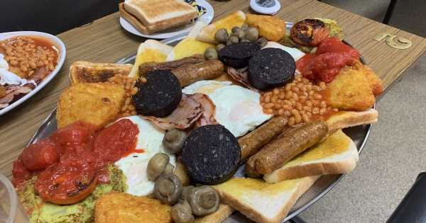 Cafe's £20 challenge to guzzle huge breakfast in 1 hour – and only 3 have passed
