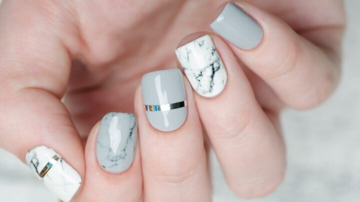 Everything You Need To Know About The Korean Marble Nails Trend