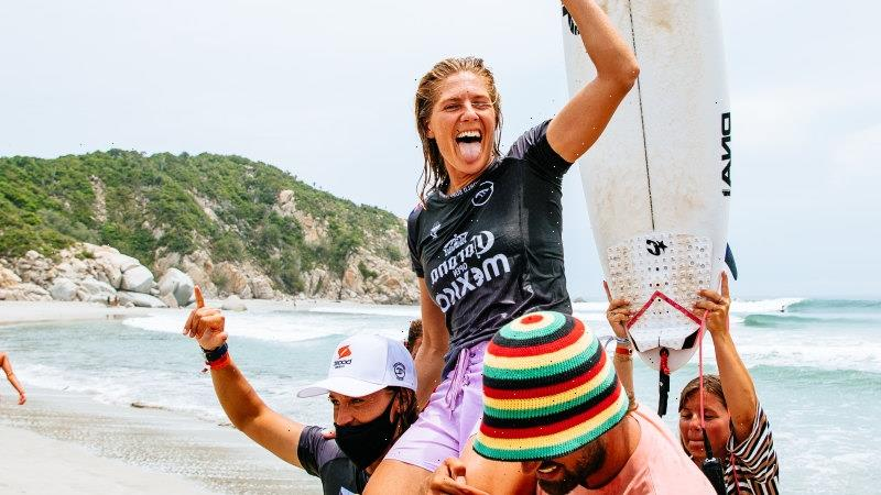 Gilmore and Robinson clinch Australian surfing double in Mexico