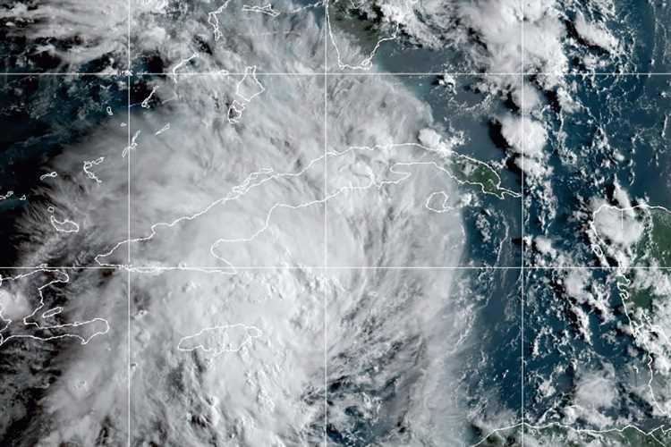 Hurricane fears as Tropical Storm Ida set to gain strength before making landfall on Gulf Coast in DAYS
