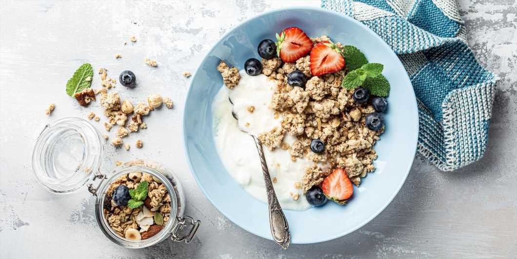 Is Yogurt Good For Weight Loss? The Best Low-Carb, Low-Sugar Yogurts