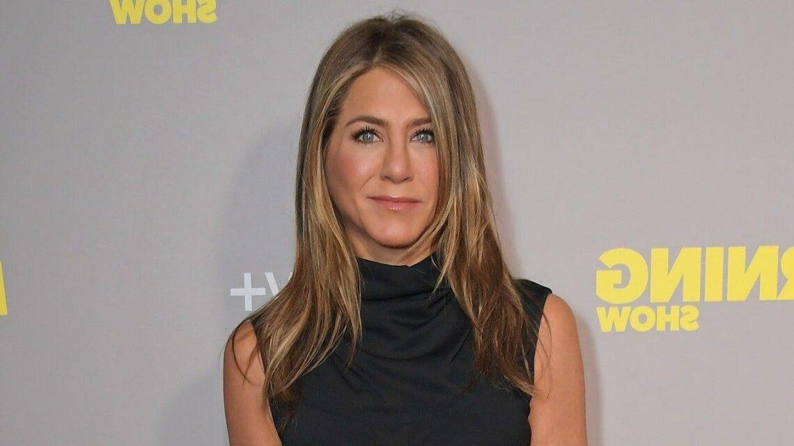 Shop Jennifer Aniston's Go-To $8 Hydrating Mist