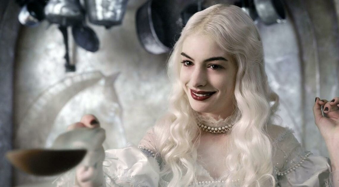 10 Halloween Costume Ideas For Silver Hair That Are Easy to Make
