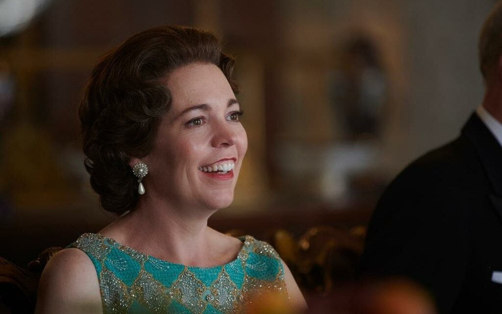 """'The Crown's Olivia Colman Lands First Career Emmy, Pays Tribute To Late Father: """"He Would Have Loved All Of This"""""""