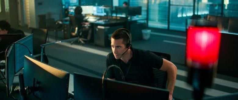 'The Guilty' Review: Jake Gyllenhaal Explodes in Antoine Fuqua's Snazzy Remake of Danish Drama