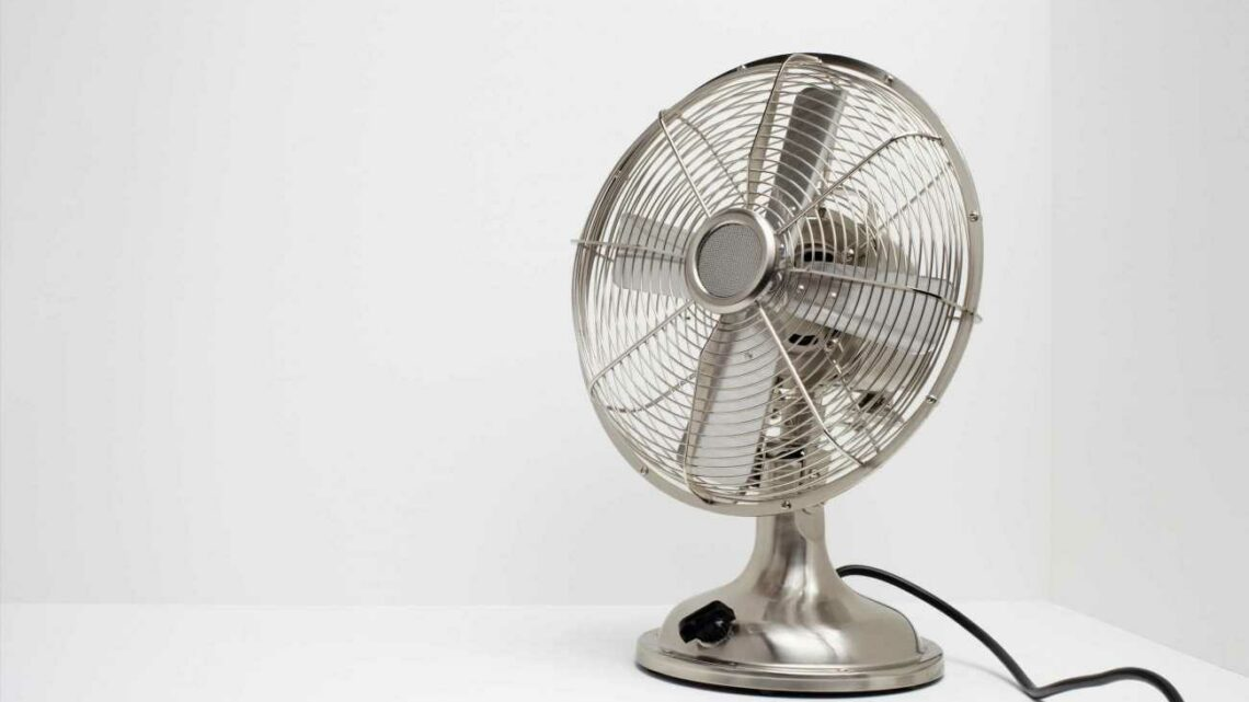 How much does it cost to leave a fan on overnight?