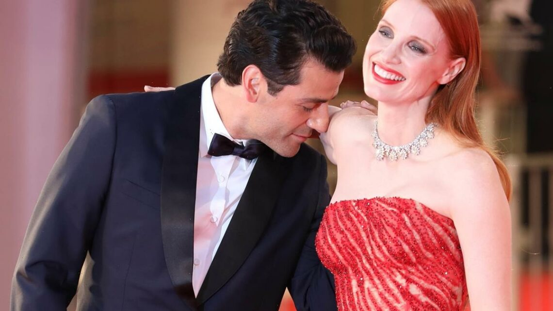 Jessica Chastain Joins In The Meme Fun After That Viral Oscar Isaac Arm-Sniffing Moment