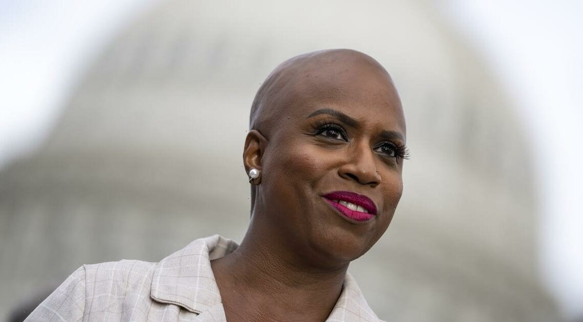 Rep. Ayanna Pressley Is Sponsoring a Bill Requiring Medicare to Pay For the Wigs of Hair Loss Patients